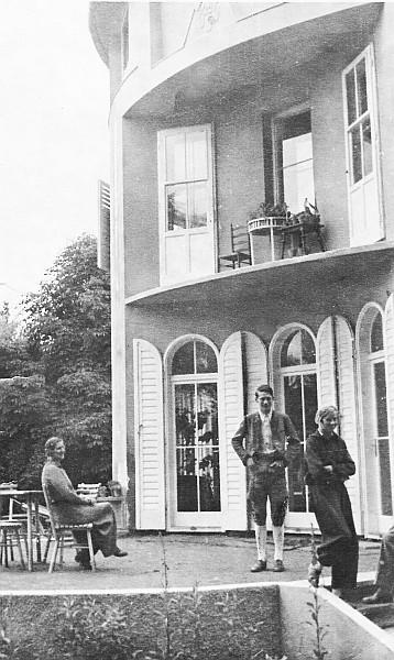 Frieda mit Lore und Wolfgang Kerndle 1940