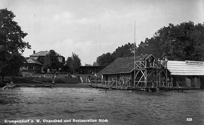 Reger Badebetrieb im Bad Stich 1942