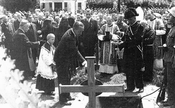Begräbnis des spanischen Prinzen Don Gonzalo am Friedhof in Pörtschach