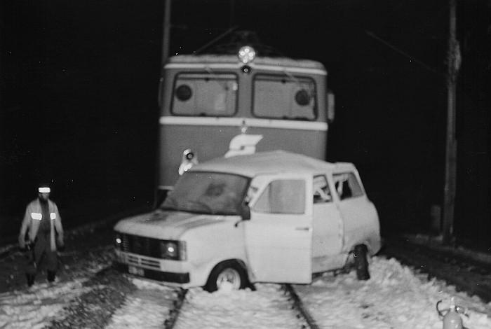 Zugkollision mit Kleintransporter am Bahnübergang Kochstraße 1983