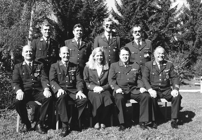 Gruppenbild mit Dame anl. der 110-Jahr Feier 1990