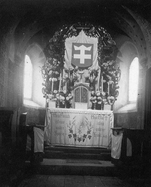 Innenaufnahme mit Altar