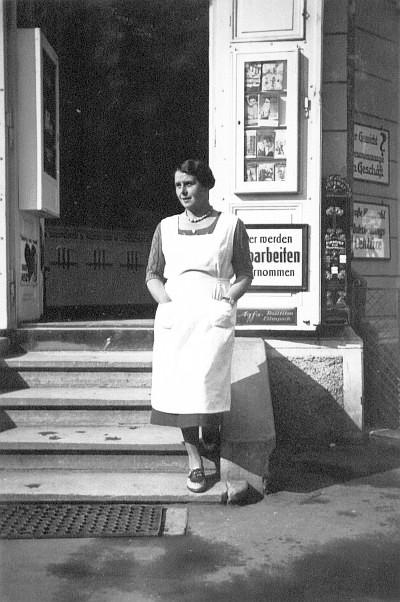 Feinkostgeschäft Kutternig in der Villa Karlsruhe 1950er