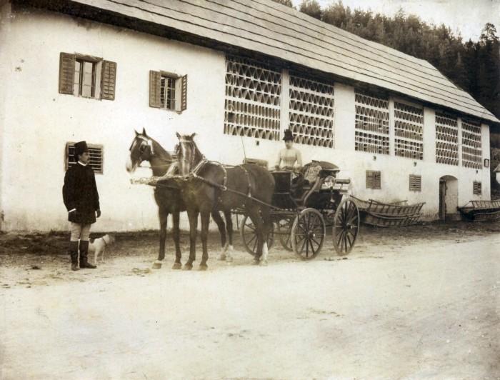Kutsche vor alter Post 1888