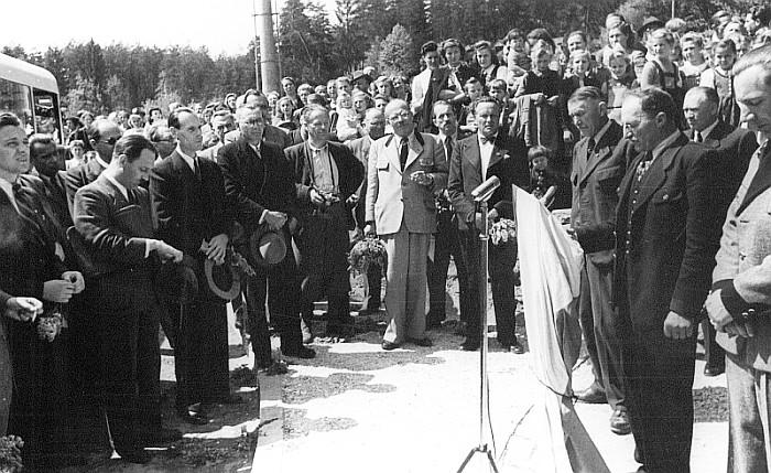 Feierliche Eröffnung der Obuslinie an der Endhaltestelle Leinsdorf,