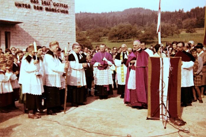 Kircheneinweihung 1962 (Seite 138)