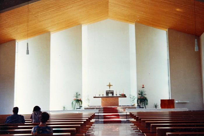 Innenraum der neuen Pfarrkirche Krumpendorf 1962