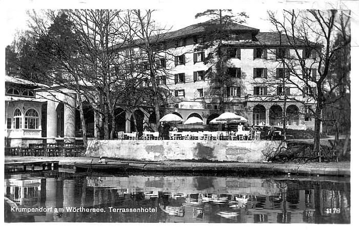 Terrassenhotel mit Sitzgarten 1936