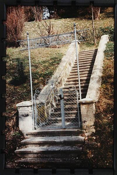 Tor zur Villa Oblasser