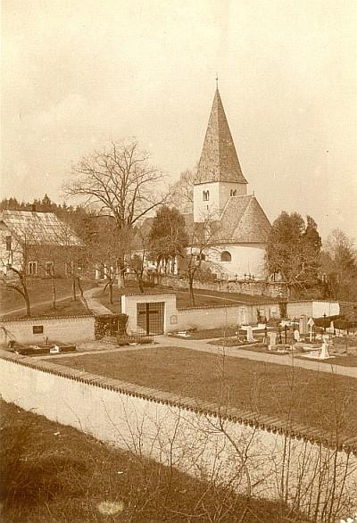 Ulrichskirche in Pirk mit Friedhof, Mai 1937 (Foto: Schindler-Kunewald)