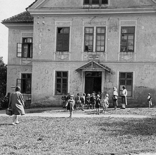 Volksschule Krumpendorf 1944