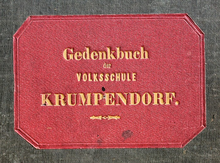 Gedenkbuch der Volksschule Krumpendorf