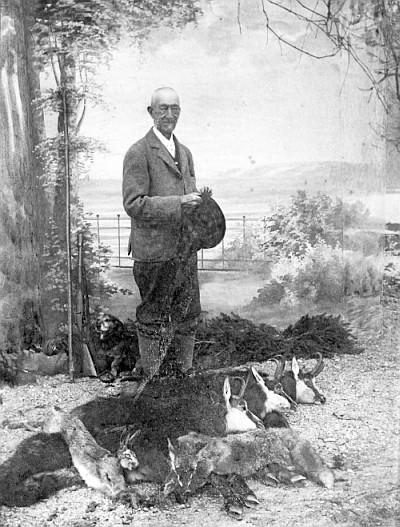 Baron Walterskirchen nach der Jagd ca. 1900